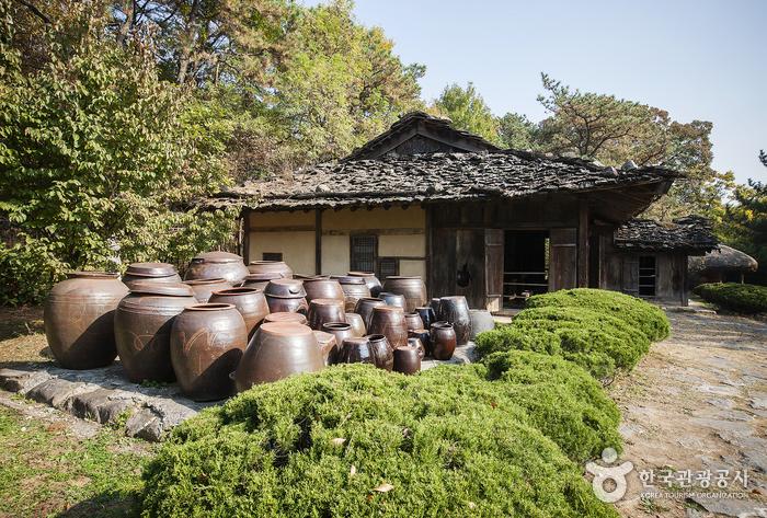 温陽民俗博物館(온양민속박물관)