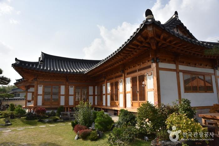 チョンゴン韓屋 [韓国観光品質認証] (청공한옥 [한국관광 품질인증/Korea Quality])