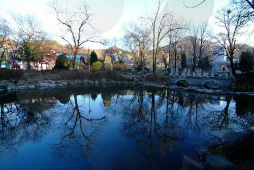 Hwangji Pond (황지연못)