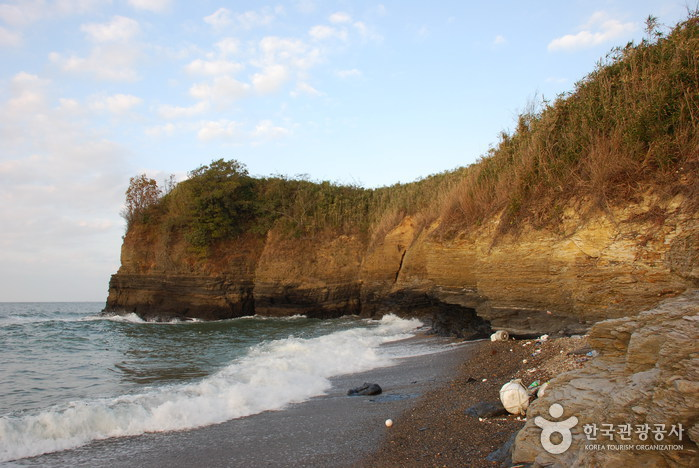 Jeokbyeokgang Cliffs (Buan) ( )  