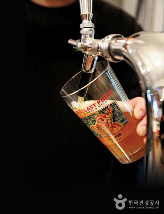 일 년에 한 번 생산하는 한정판 맥주 '언필터드 스컬핀'
