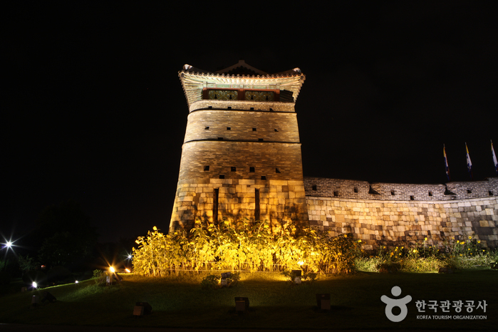 Ворота Хвасомун в крепости Хвасон в Сувоне (화서문)19