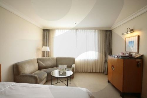 Jeju Grand Hotel (제주 그랜드호텔)