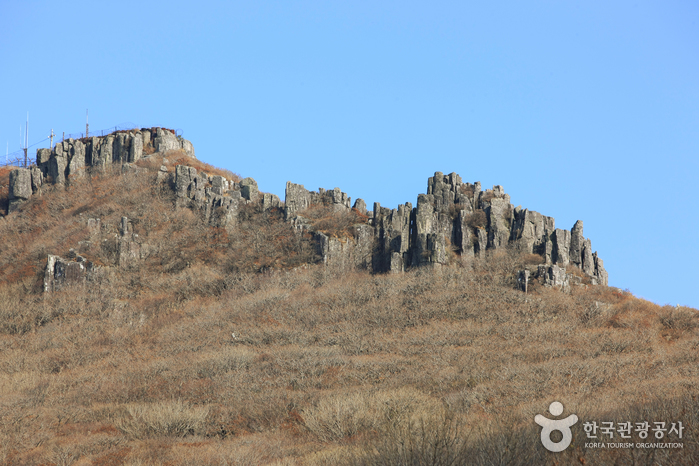 Jusangjeolli Cliff of Mudeungsan Mountain (무등산 주상절리대)