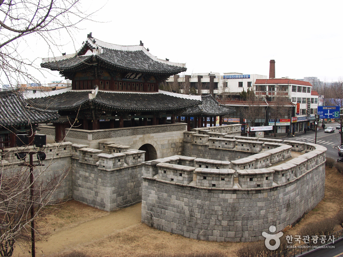 Pungnammun Gate ( ...