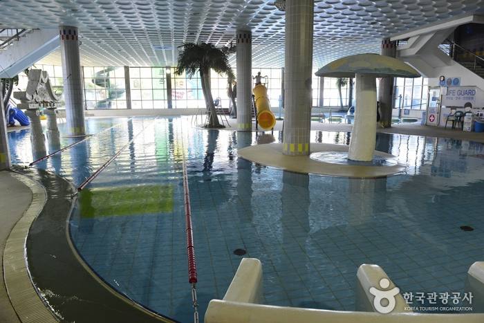The Hotel Miranda Swimming Pools (indoor/outdoor) (호텔미란다수영장(실내.외))