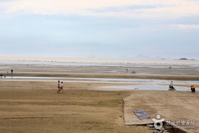 Пляж Тонхо (동호해수욕장)