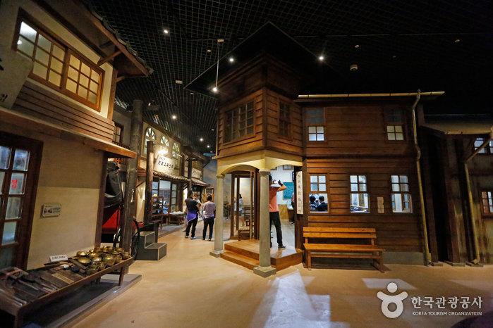 Музей современной истории города Кунсана (군산근대역사박물관)2