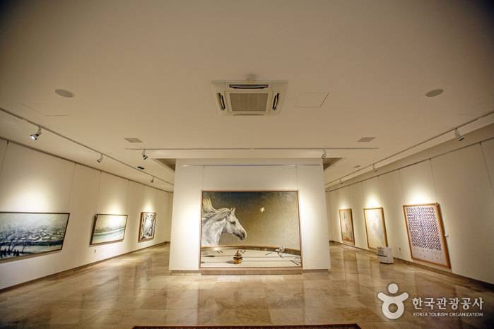 휘목아트타운 미술관