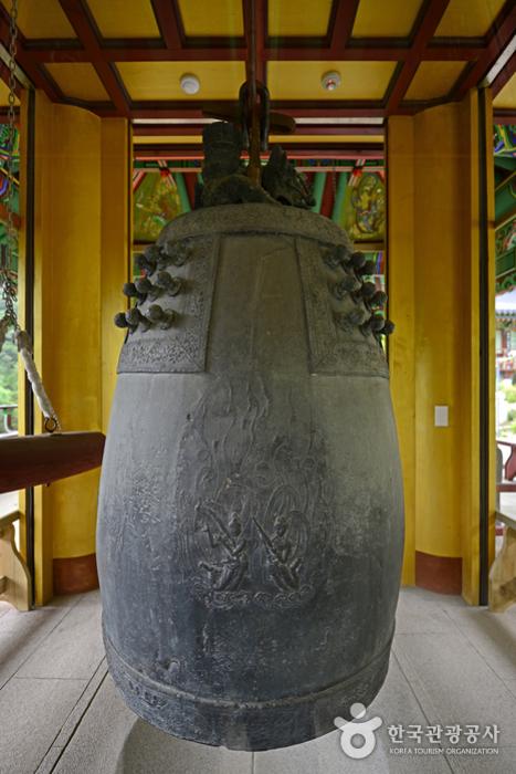 상원사 동종은 국내에서 가장 오래된 종이다.
