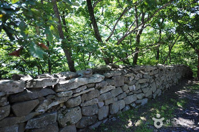 Jeoksangsanseong Fortress (무주 적상산성)