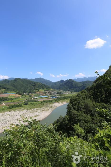 Yundaechun Rafting (연대천래프팅)