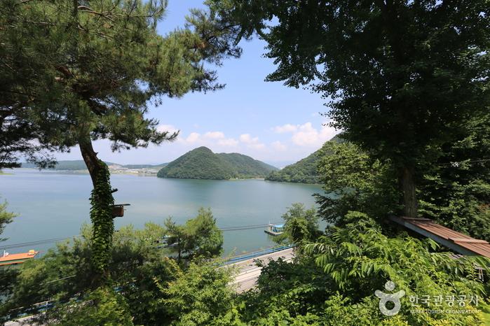 Chuncheonho Lake (춘천호)