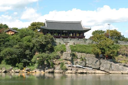 Chokseongnu Pavilion...