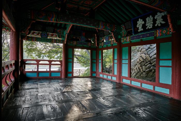 Hanbyeokdang Pavilion (한벽당)