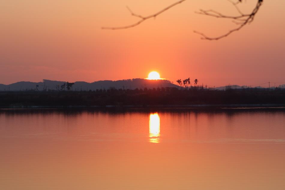 강경포구에서 바라본 금강의 일몰