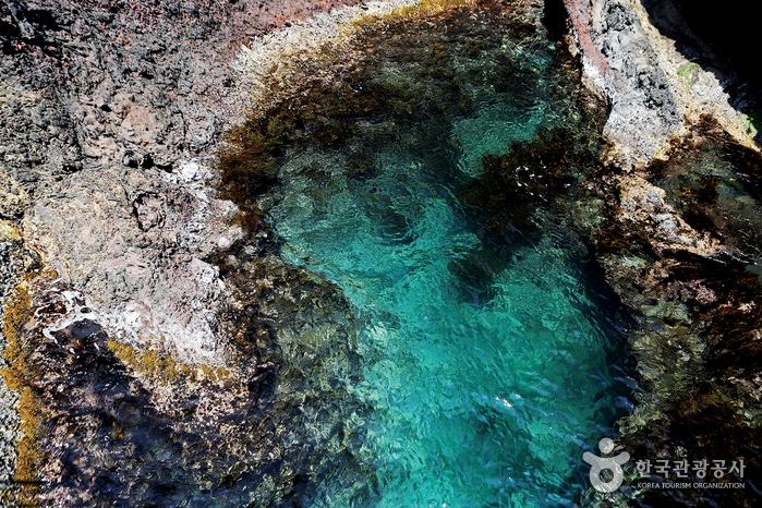 행남해안산책로의 물빛