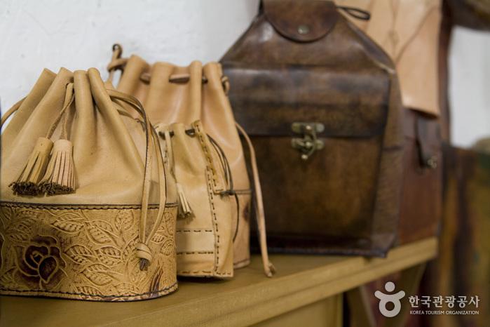 Hanseam皮革工坊(한샘가죽공방)