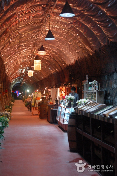 Weintunnel (와인터널)