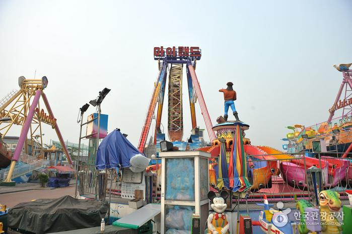 Wolmi Theme Park (월미테마파크)