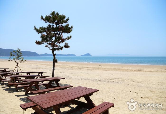 Strand Sinji Myeongsasimni (신지명사십리해수욕장)