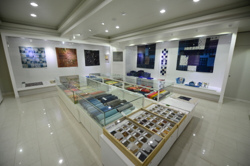 Museum of Natural Dye Arts (자연염색박물관)