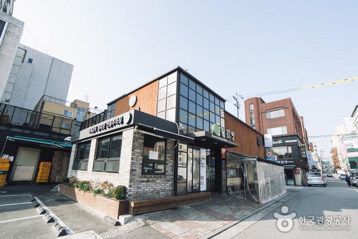 Ресторан Bongpiyang (봉피양 방이점)4