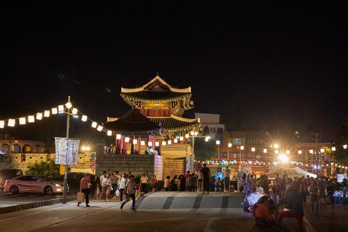Jeonju Culture Night (전주 문화재야행)