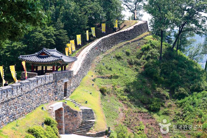 Gongju Gongsanseong Fortress [UNESCO World Heritage] (공주 공산성 [유네스코 세계문화유산])