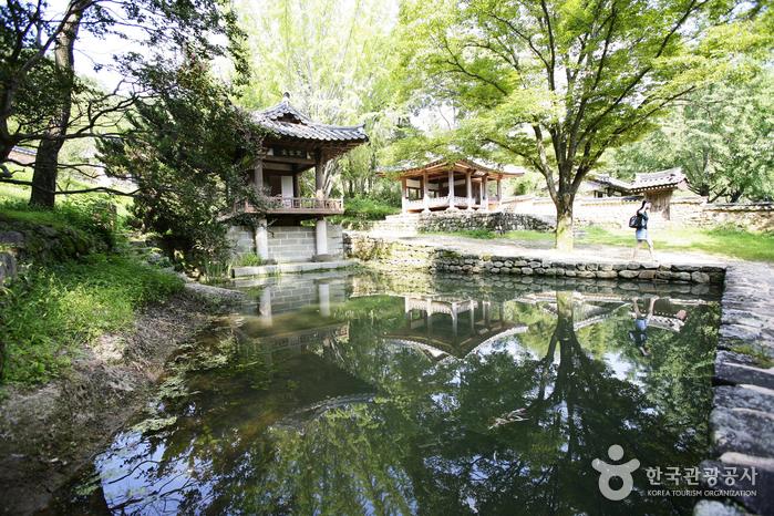 Sigyeongjeong Pavilion (식영정)