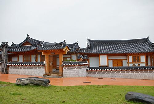 Gongju Hanok Village ([한옥스테이]공주한옥마을)