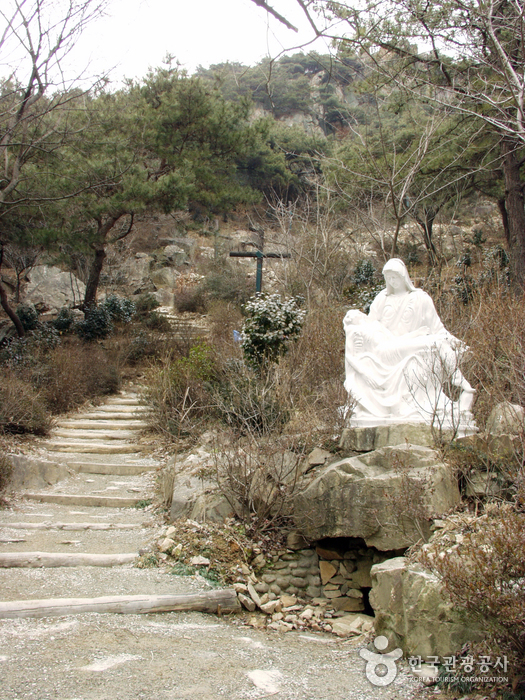 Chimyeongjasan Holy Ground ( )