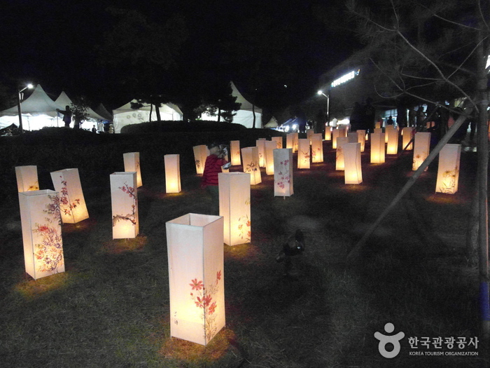 原州韓紙文化祭り(원주한지문화제)