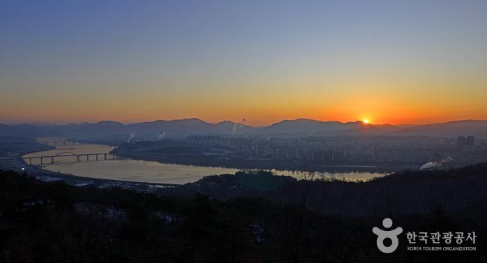 峨嵯山(아차산)