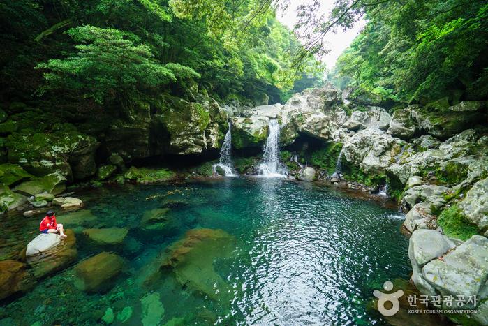 Курорт Тоннэко (Водопад Вонан) (돈내코(원앙폭포))