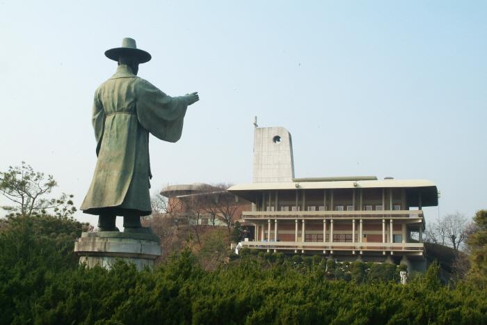 Музей мучеников священной горы Чольдусан (한국천주교순교자박물관)5