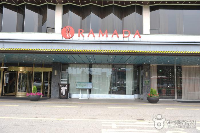 Ramada Songdo Hotel (라마다송도호텔)