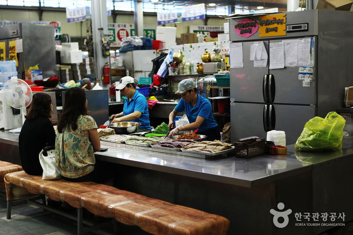 Yeongwol Seobu Market (영월 서부시장)