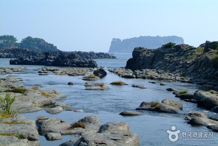 江汀川(강정천)