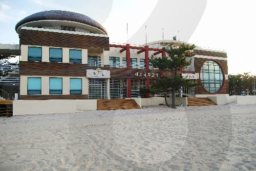 Naksan Beach (낙산해수욕장)