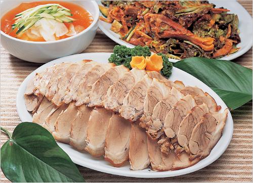Closed: Ttatteuthan Jip Chuncheon Makguksu (따뜻한집 춘천막국수)