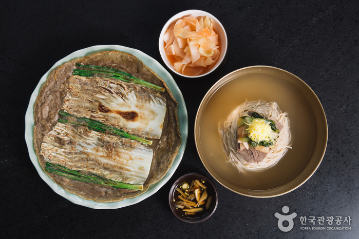 Ресторан Bongpiyang (봉피양 방이점)2