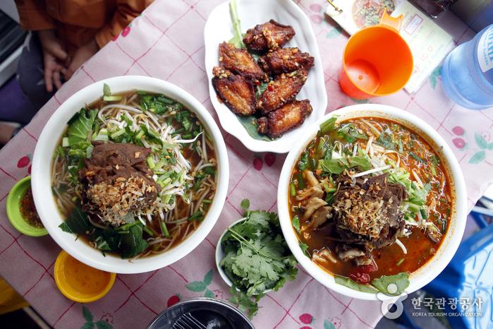 선택 장애의 메뉴, 태국식 소고기 쌀국수와 똠얌 누들
