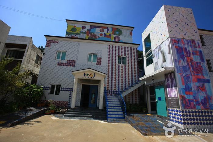 Художественный музей Чон Хёк Лима (전혁림 미술관)2