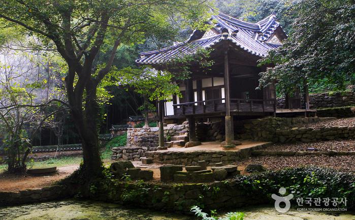 Деревня Канголь маыль (보성 강골마을)