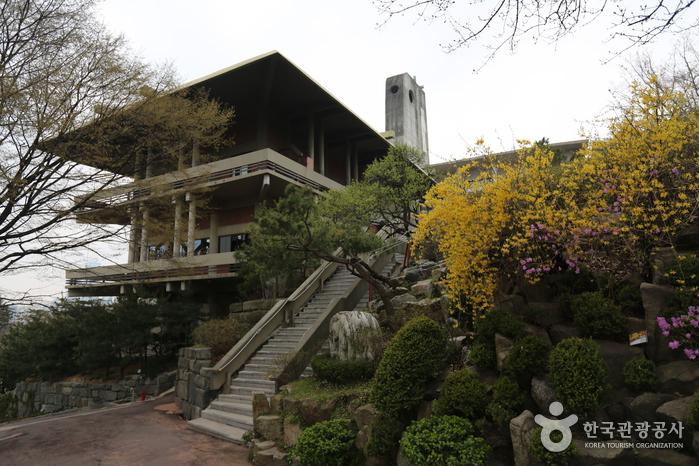 Korean Martyrs' Museum (한국천주교순교자박물관)