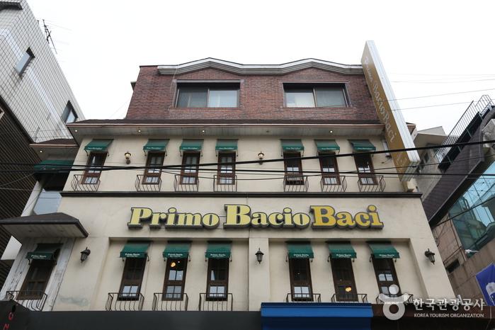 Primo Bacio - Hongdae Branch (프리모 바치오바치-홍대점)