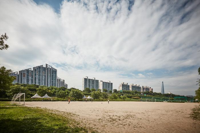 漢江市民公園トゥクソム地区(トゥクソム漢江公園)(한강시민공원 뚝섬지구(뚝섬한강공원))