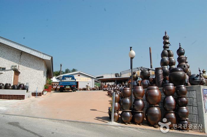 Деревня гончарных изделий на горе Вегосан (외고산옹기마을)10