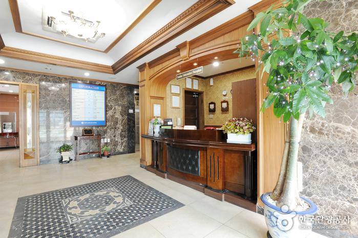 キャッスルビーチ観光ホテル(캐슬비치관광호텔)